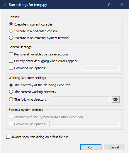 Spyder IDE's Run Settings dialog box
